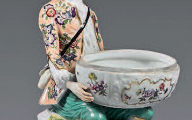 Large Meissen porcelain statuette from the 18th century.
