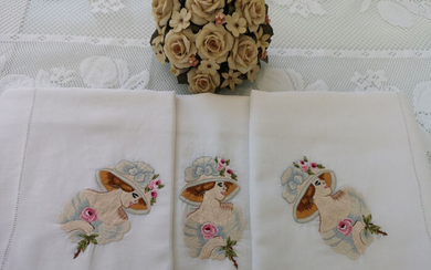 Pure linen embroidery ladies and flowers in full stitch by hand - Linen