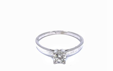 Solitaire ring in 750° white gold decorated with a diamond of about 0.30 ct