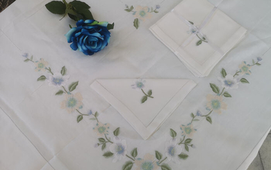 Spectacular pure linen 12x tablecloth with full stitch embroidery by hand - Linen