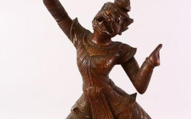 A GOOD 19TH CENTURY OR EARLIER BURMESE CARVED WOODEN