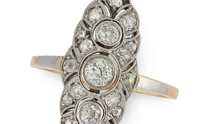 AN ART DECO DIAMOND RING in yellow gold and platinum