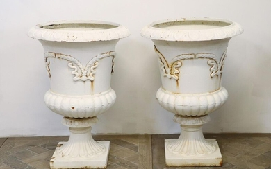 Pair of Medicis vases in white lacquered cast iron.