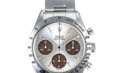 ROLEX. A VERY RARE AND FINE STAINLESS STEEL CHRONOGRAPH WRISTWATCH WITH BRACELET AND JUMBO LOGO AND TROPICAL SUB-DIALS, SIGNED ROLEX, COSMOGRAPH DAYTONA MODEL, REF. 6239, CASE NO. 1'520'036, CIRCA 1967