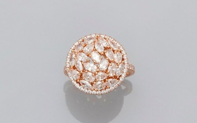 Round ring in pink gold, 750 MM, covered with very beautiful oval cut diamonds, shuttle, pear all in a row of brilliant-cut diamonds and between two lines of brilliants on the body of the ring, total about 2.40 carats, diameter 18 mm, height 5 mm, nice...