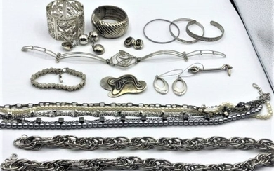 14 Pc. Costume Silver Plate Jewelry Lot - Good Variety