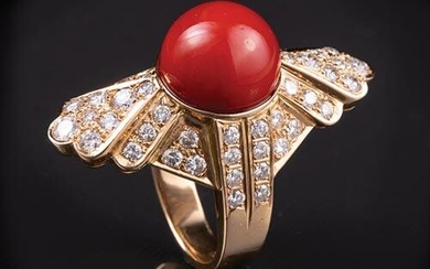 18 kt. Yellow Gold, Coral and Diamond Ring