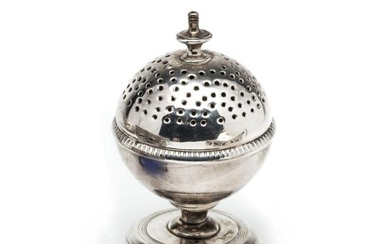 A GEORGE III SILVER PEPPERETTE, WILLIAM PARKYNS, LONDON, 1805...