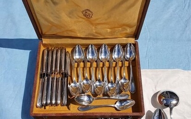 Apollo - Societe De Coutellerie et D'orfevrerie Orfèvrerie Apollo - 63 piece cutlery set - 12 people - silver plated 100 - Art Nouveau - Silverplate