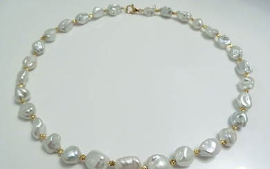 HS Jewellery - Keshi pearls, South Sea Keshi 11.57 mm X 14.69 mm and Gold Beads - Necklace, 18 kt. Yellow Gold