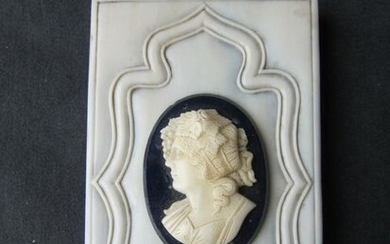 Ivory paperweight with cameo - Ivory - 19th century