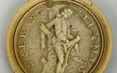 Ivory plaque with a relief image of Saint Sebastian - Including certificate - Ivory - Circa 1750