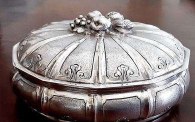 Jewellery box, in silver (1) - .800 silver - Italy - Early 20th century