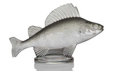 René Lalique (1860-1945), 'Perch' a clear and frosted paper weight...