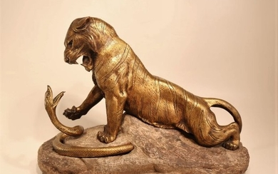 Robert Bousquet (1894-1917) - Sculpture, fighting tiger and snake - Bronze, Marble - around 1912