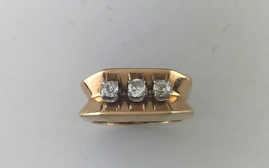 Tank ring in gold 750°/°° and platinum set...