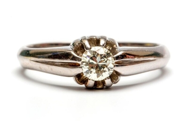 White gold solitair ring, set with a brilliant...