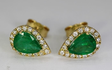 18 kt. Yellow gold - Earrings - 2.11 ct Emerald - 0.34 ct Diamonds - No Reserve Price