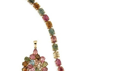 A 9CT TOURMALINE PENDANT AND MATCHING BRACELET, the