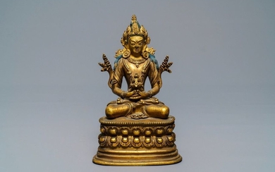 A Chinese gilt bronze figure of Amitayus, 17/18th...