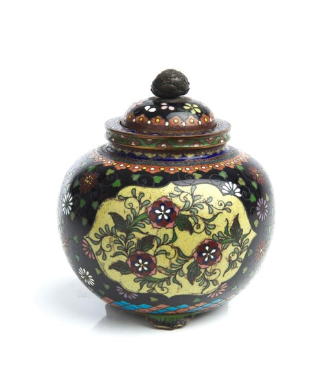 A JAPANESE CLOISONNE COVERED JAR MEIJI PERIOD (1868-1912)