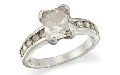 A SINGLE-STONE DIAMOND RING The claw-set
