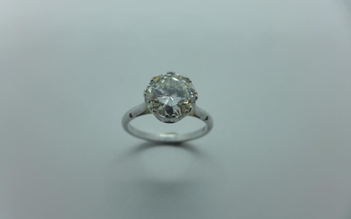 A very good diamond solitaire 18ct white gold ring, the bril...