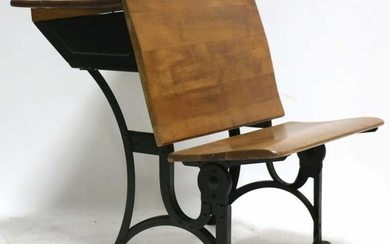 AMERICAN ANTIQUE SCHOOL HOUSE DESK