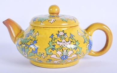 AN EARLY 20TH CENTURY CHINESE YELLOW GLAZED TEAPOT AND