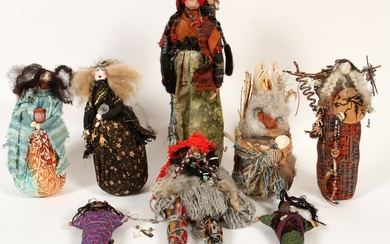 CONTEMPORARY NATIVE AMERICAN STYLE DOLLS PCS 20