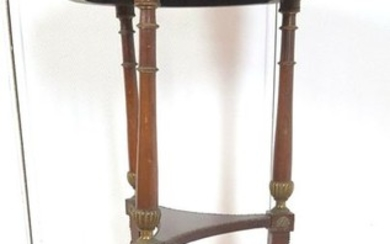 Ceremonial mahogany table with an abundance of decorations of golden bronzes - Empire Style - Mahogany - Late 19th century