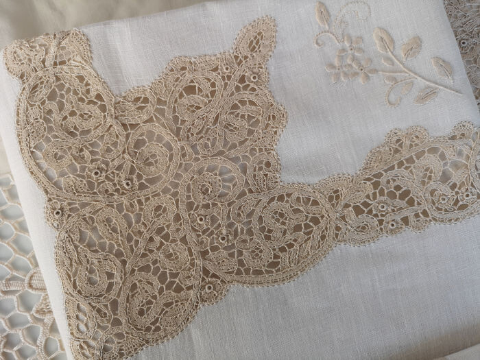 Charming sheet in pure linen Cantù ROSELIN embroidery by hand - Linen - AFTER 2000