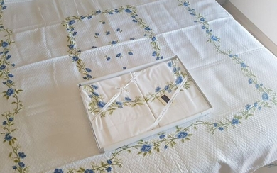 Elegant Bellavia set Pique bedspread + percale cotton sheets with hand-embroidered flowers - Linen - AFTER 2000