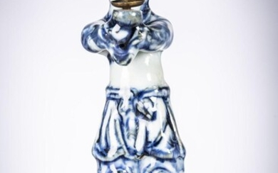 Figurine in Chinese blue and white porcelain 'servant', probably Ming dynas