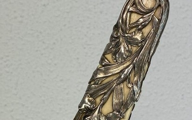 Ivory page turner / paper knife with silver floral end - Includes certificate - Ivory, Silver - Circa 1890