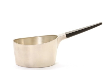 Karl Gustav Hansen: A small sterling silver casserole with horn handle. Weight 190 g. L....