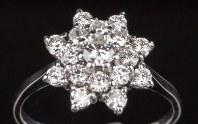 Ring of 750 white gold with brilliant cut diamonds