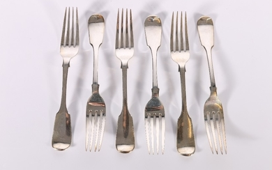 Set of six Victorian silver dessert forks of fiddle pattern ...