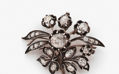 TRAVAIL OTTOMAN XIXEME SIECLE BROCHE FEUILLAGE A XIXth century diamond, gold and silver brooch.