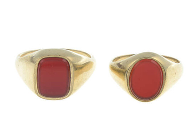 Two 9ct gold carnelian signet rings.