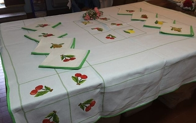 tablecloth with napkins with embroidered fruit (10) - Mixed linen - Second half 20th century