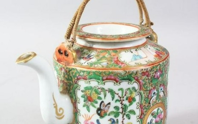 A 19TH CENTURY CHINESE CANTON PORCELAIN TEA POT,