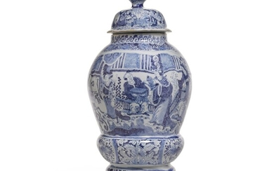 A German fayence blue and white chinoiserie vase and cover, circa 1720, Gerhard Wolbeer's factory, Berlin
