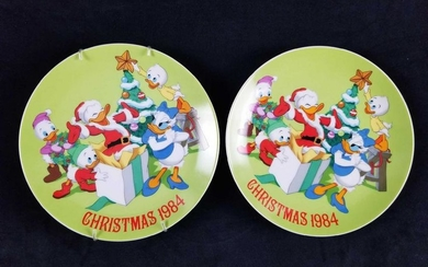 A Lot of 2 Christmas 1984 Plates Limited Edition Walt