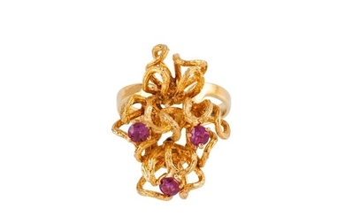 A RUBY SET DRESS RING, contemporary design, mounted in 18ct ...