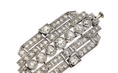 A diamond brooch set with numerous old and single-cut diamonds, mounted in 14k white gold and platinum. App. 2.0×4.0 cm. Circa 1940–50.
