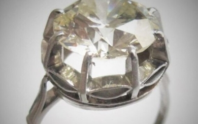 Solitaire ring brilliant cut diamond 4.68 carats, colour N-R, clarity...