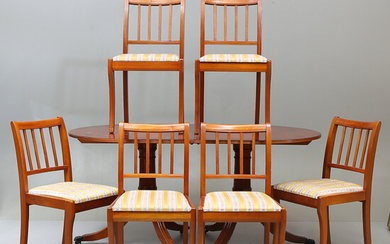 TABLE o 6 CHAIRS, English style, George Hensher, 1900s.