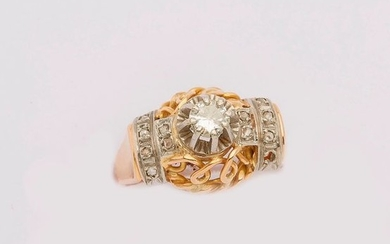 Yellow and white gold ring decorated in the...