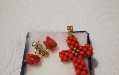 18 kt. Gold, Yellow gold, Coral - Earrings, Pendant, Set